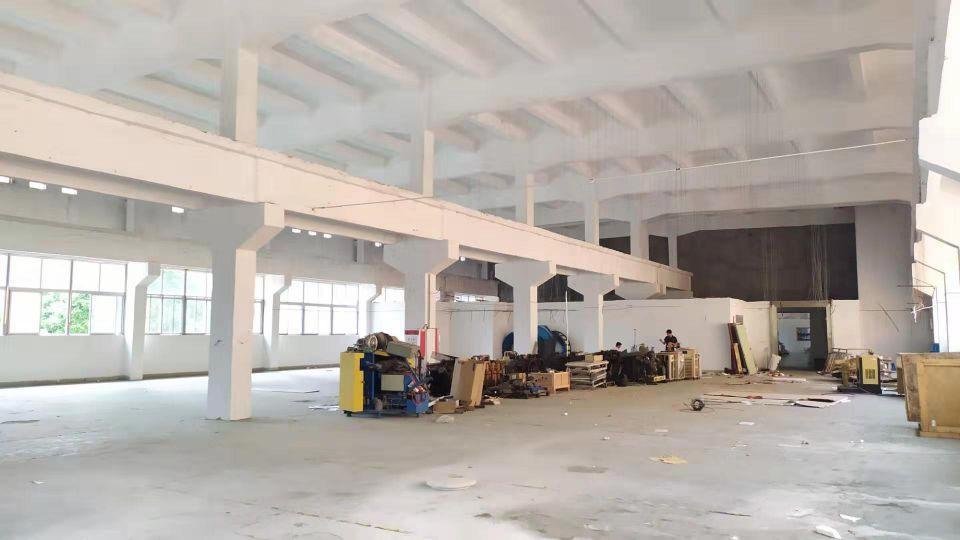 长安宵边新出一楼高度八米带牛角精装修厂房面积2000平。