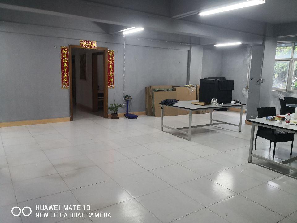 坪山石井精装修办公室二楼200平出租