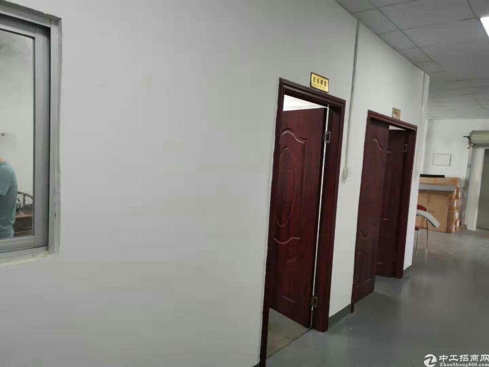 大朗镇新马莲新出楼上厂房1100平带装修,水电齐全
