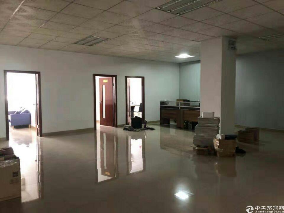 长安沙头南区新出二楼1000平厂房出租,水电齐全。