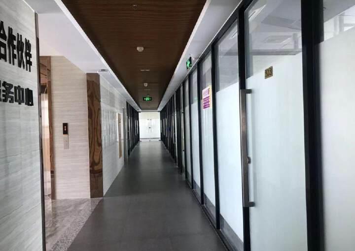 横沥镇豪华装修写字楼5000招租50起可分租图片3