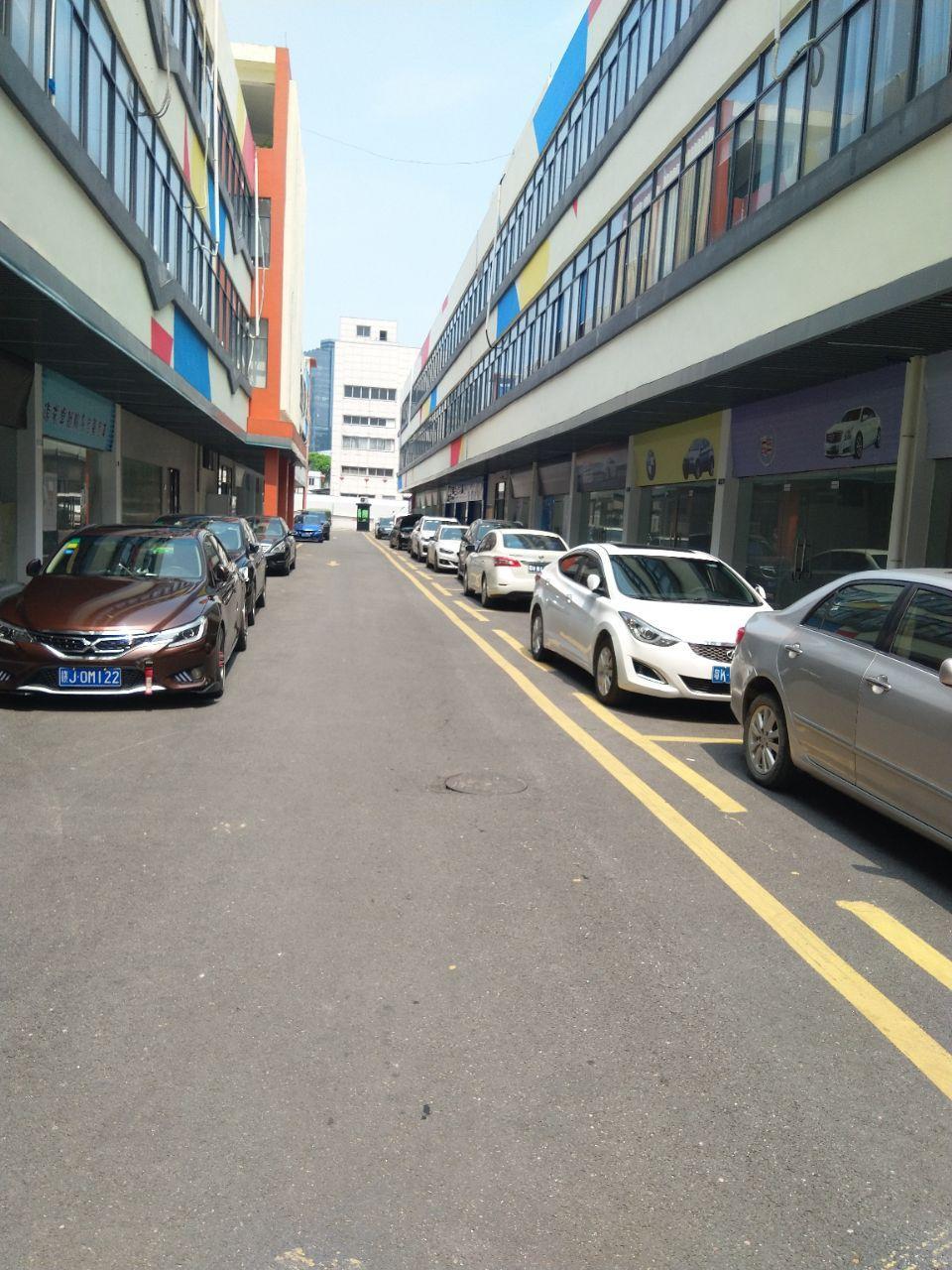 钟村工业区一楼标准厂房450平米,带精装修,近新光快速
