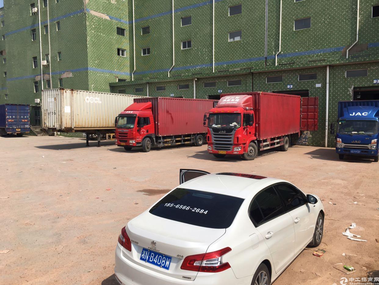 坑梓5吨货梯仓库2600平房东超低价急租