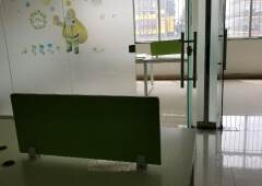 横岗塘坑地铁口精装修办公室118平带办公家私