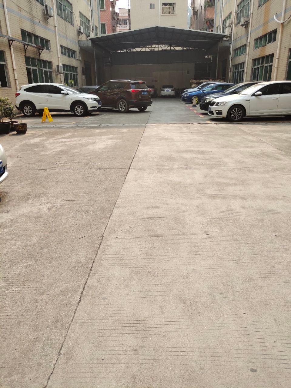 长安镇新安大桥边新出楼上带装修厂房800平
