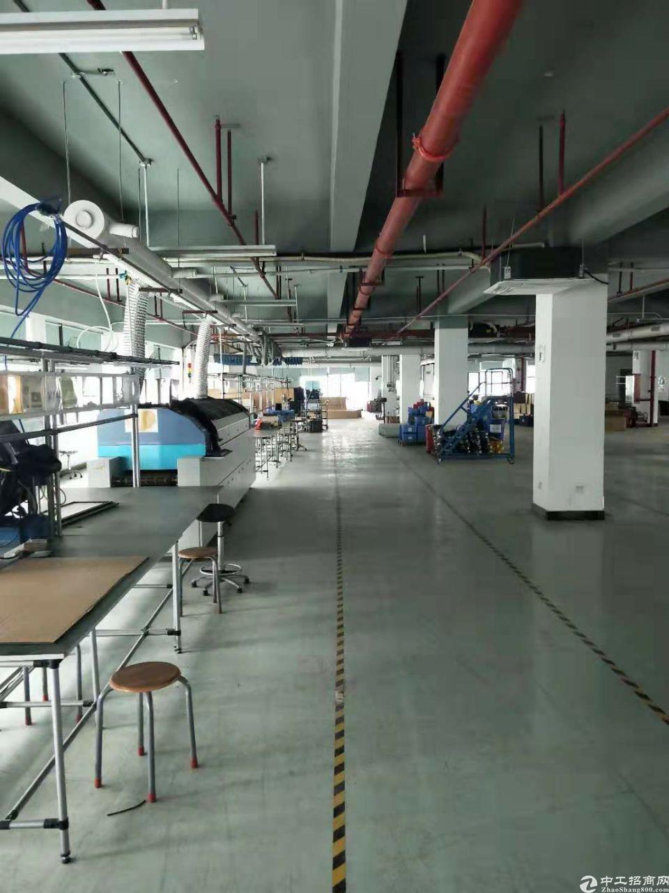 黄埔开发区东区香雪地铁楼上厂房1500平米厂房出租