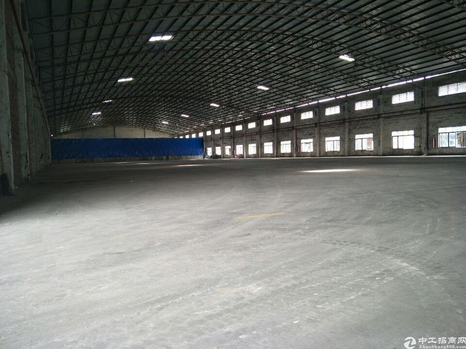 番禺区石基镇厂房2400平出租,三证齐全,可办环评