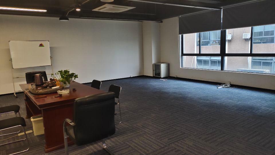 大学城地铁口200至1000平米仓库,办公室带装修出租