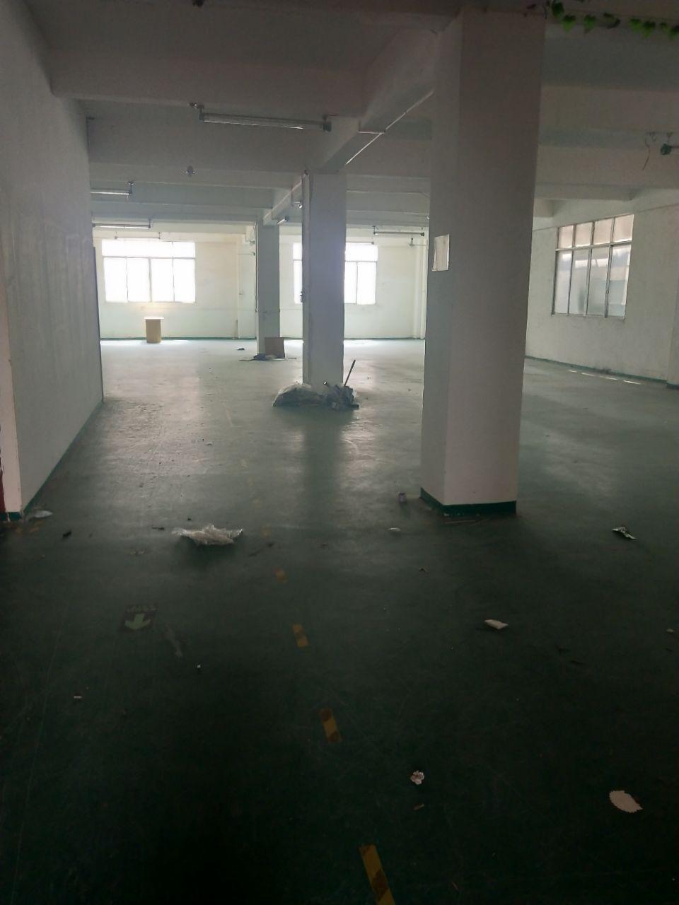 夏茅村原房东独院厂房楼上800平,带2吨标准电梯,地坪漆