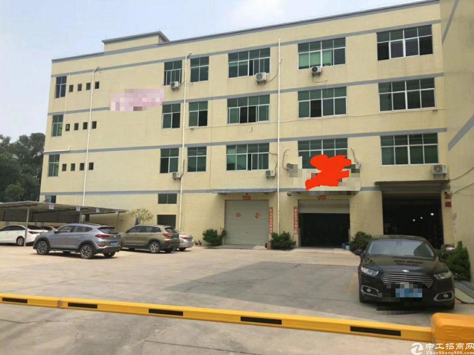 石排镇工业园新空出三楼整层3700平方米、价格便宜