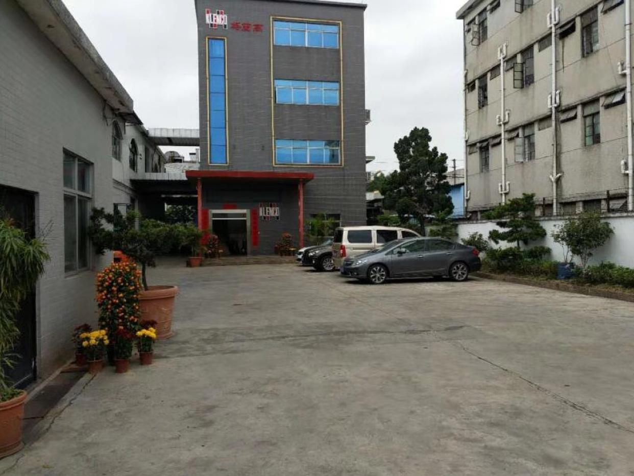 东莞塘厦稀缺小独院厂房占地3200多平方,建筑3800平方米