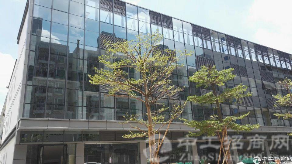 观澜观澜大道地铁站附近楼上标准厂房550平方出租水电齐全