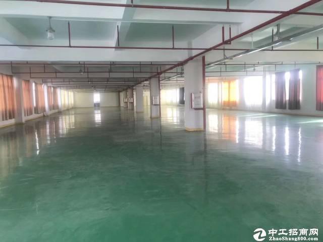 厚街镇宝屯村靠近道滘工业区分租楼上1600平厂房仓库,有地坪