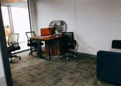 横岗68平米小户型办公室出租户型方正采光通透