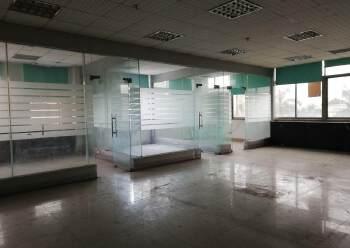 横沥镇中心带装修办公室写字楼出租。图片2