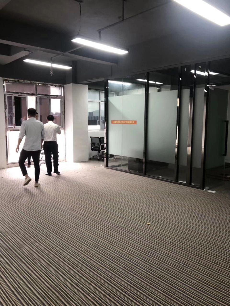 清湖精装修办公楼仓库