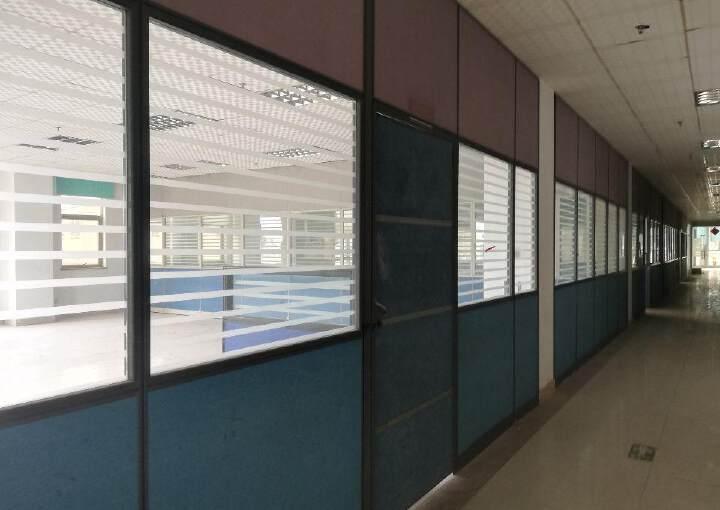横沥镇中心带装修办公室写字楼出租。图片4