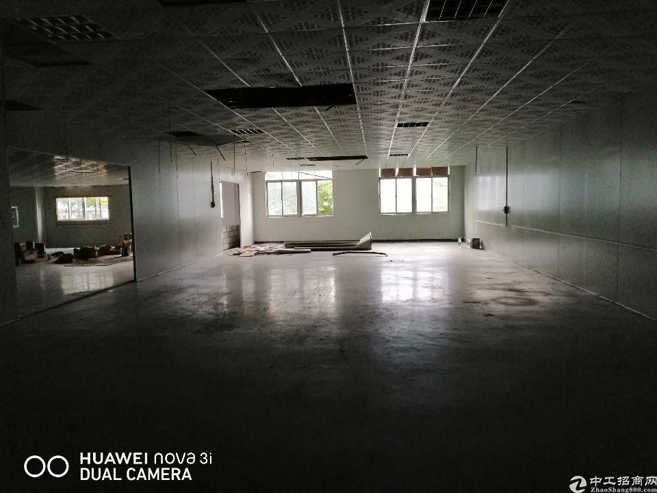 塘厦科苑城标准厂房三楼1400平,租金18