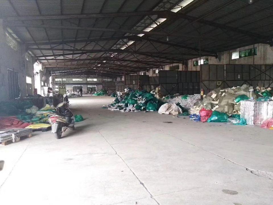 废品废铁打包客户看过来公明新出3000平方钢