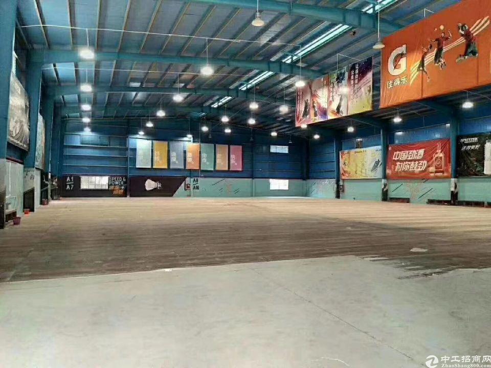石岩3000平米羽毛球馆招租 蓝球馆 高度12米,现成装修,