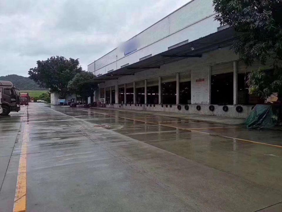 平湖靠近凤岗主干道边独院仓库2200平方出租