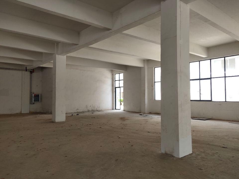 新洲阳逻,2000平米厂房出售,带一楼