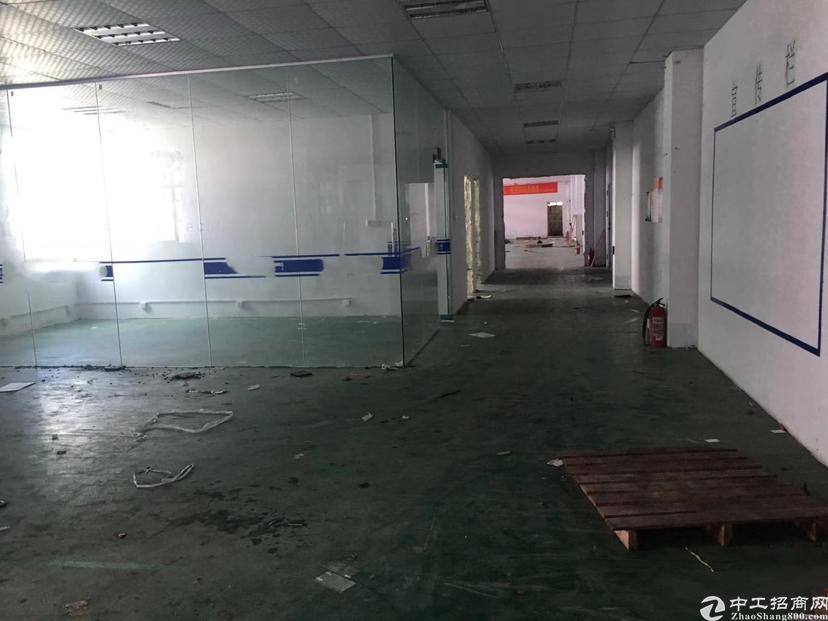 清溪浮岗主干道边红本厂房三楼带装修700平方实际面积出租
