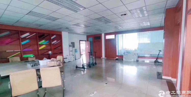 东城带地坪漆一楼1400平方厂房出租