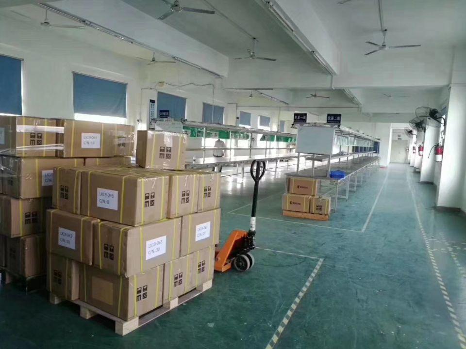 石岩水田新出楼上带装修办公室厂房835平米招租