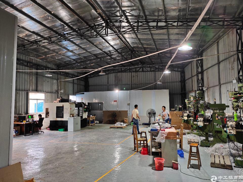 龙背岭大坪单一层钢结构铁皮高6米实际200平方机加工小客户独