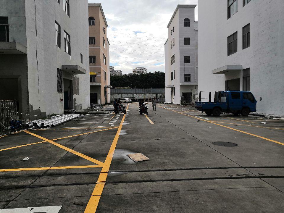 龙华高新园区精装厂房仓库1500平一楼,带无尘车间