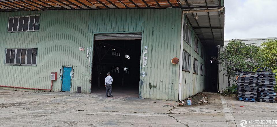 谢岗镇新出独栋厂房招租,厂房位置好,带行车,空地大