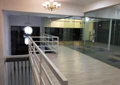 海珠区客村地铁旁T.I.T创意园1楼复式共365平,租一层送