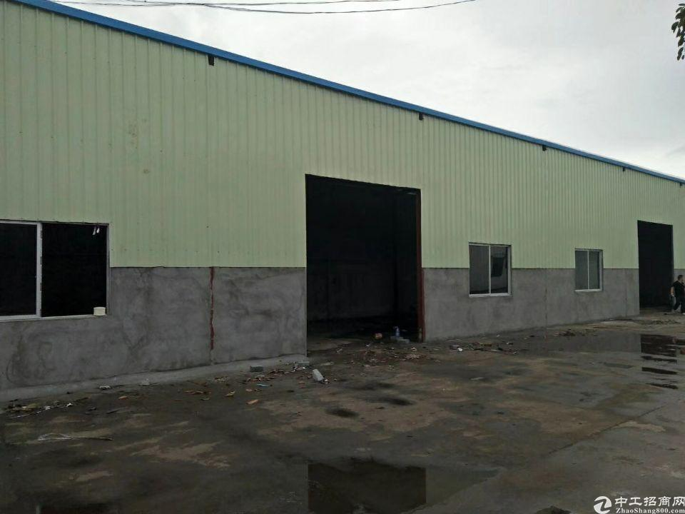 东城温塘主干道上新岀单一层厂房3000平方,合适做仓库,五金