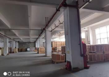 龙华大浪福龙路告诉出口大型工业园一楼1300平方招租图片2