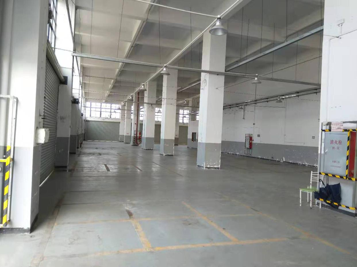 钟村新出标准厂房一楼3000平米高度8米有航车