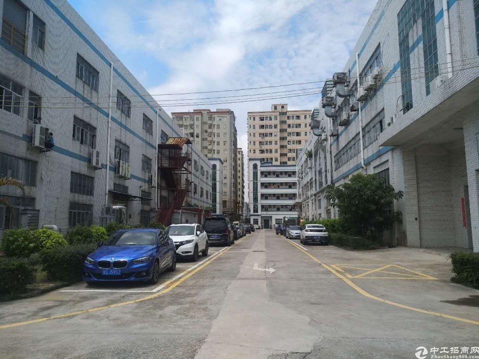 沙井步涌大型工业园新出一楼带牛角净空6米800平厂房出租