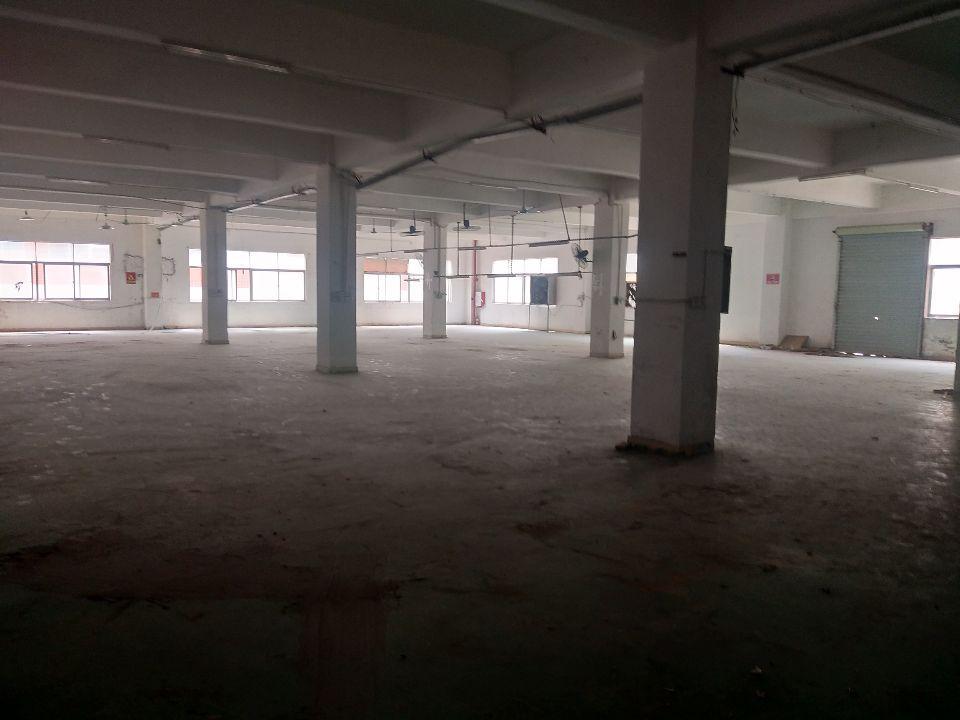 林村新出三楼2000平方出租