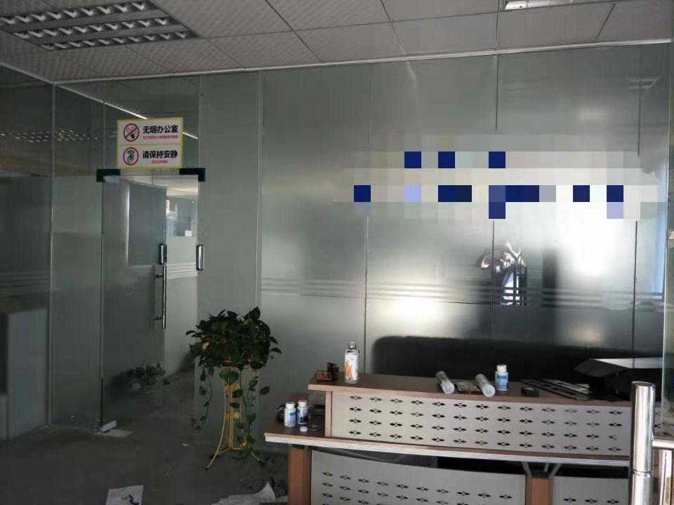 黄江镇北岸村高速出口附近2楼一层2000平方米精装修厂房出租