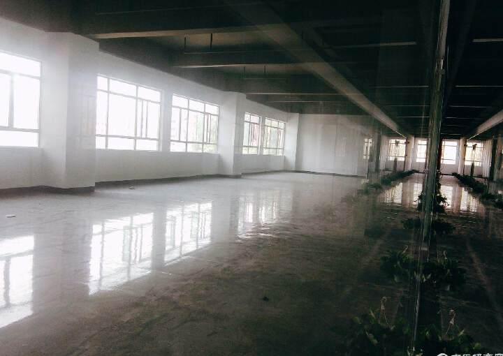 六约地铁站附近190平办公室招租,户型方正,阳光充足图片2