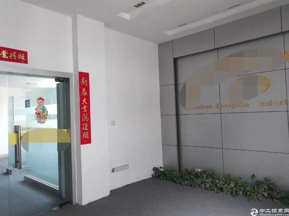 泰美新出楼上3000平米带装修厂房出租