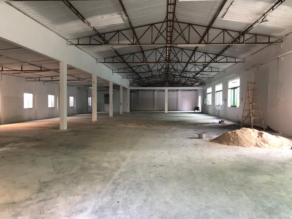 坪山比亚迪仓库厂房1000平方空地大交通便利