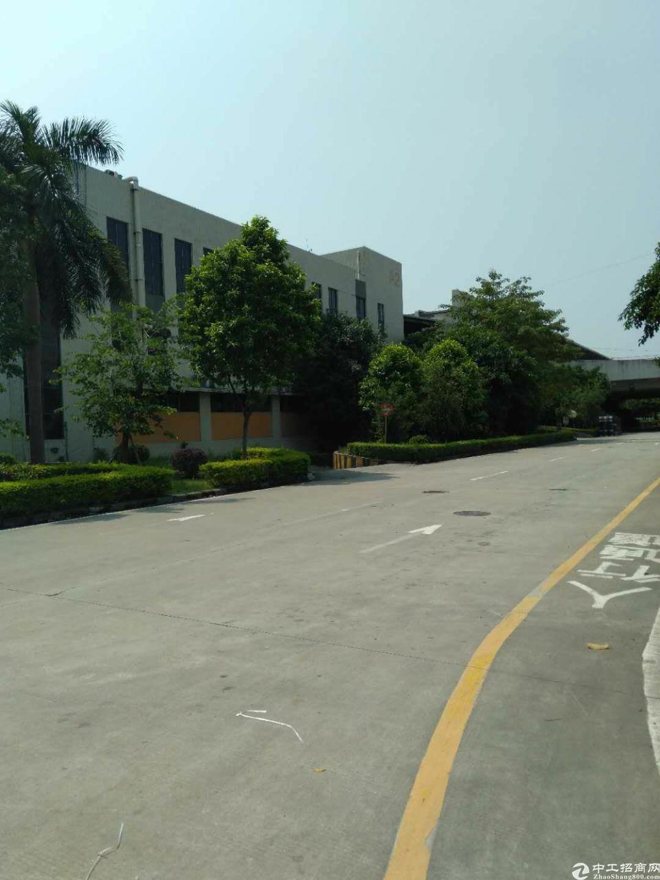 广州黄埔科学城独院标准厂房3400平起分租可生产可办理环评