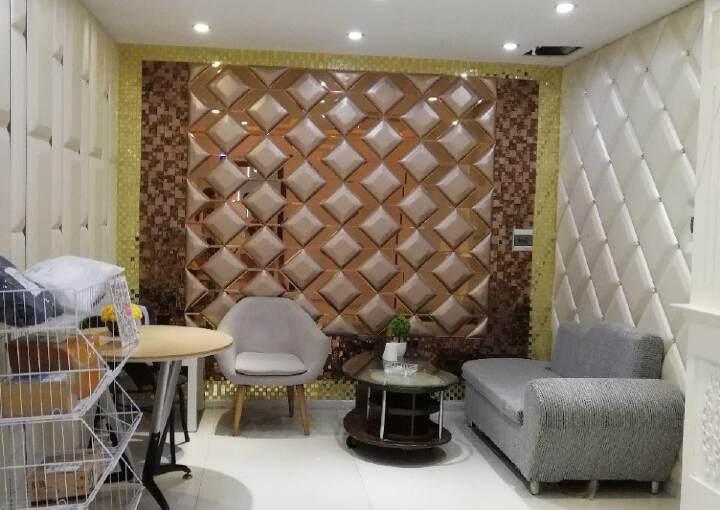 万众城家具广场精装办公室出租豪华装修带家私图片2