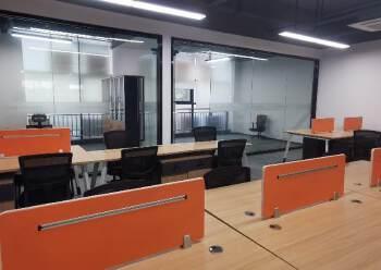 光明甲子塘230平精装修办公室出租形象好车位足图片4