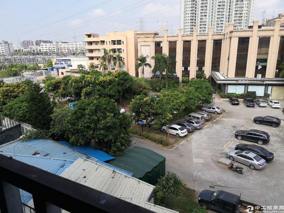 长安沙头,新出楼上标准厂房,带简单装修,水电到车间