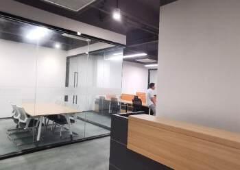 光明甲子塘230平精装修办公室出租形象好车位足图片2