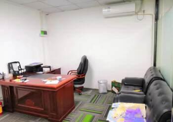 民治地铁口新出140平带隔间办公室出租图片4