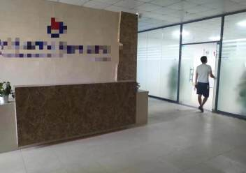 招租:观澜轻轨处高新园区新出楼上1600平方带现成精装图片1