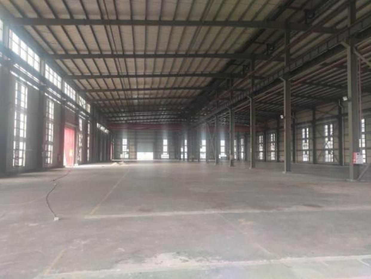 原房东单一层钢构厂房6000平,滴水14米,牛角位9米